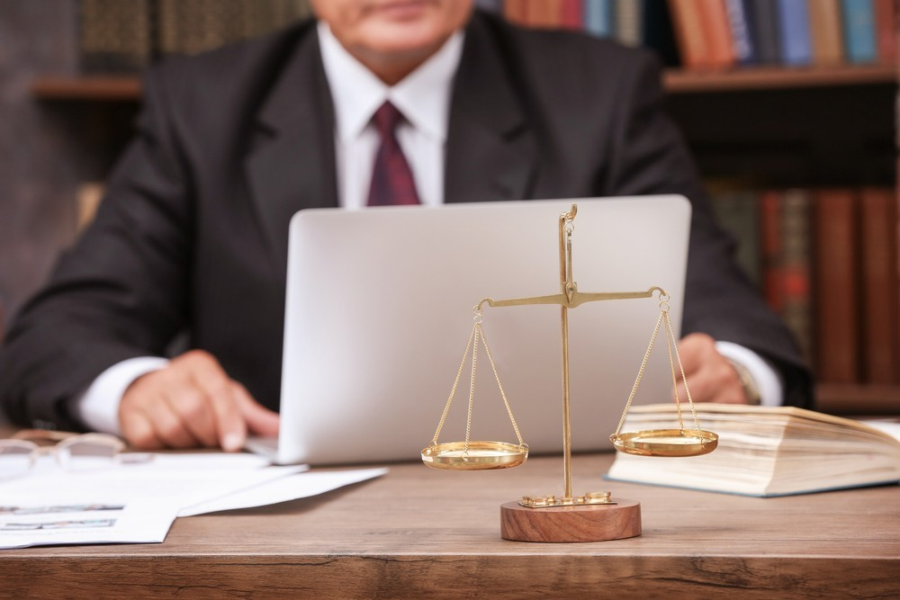 Why Law Firms Should Outsource Legal IT Services
